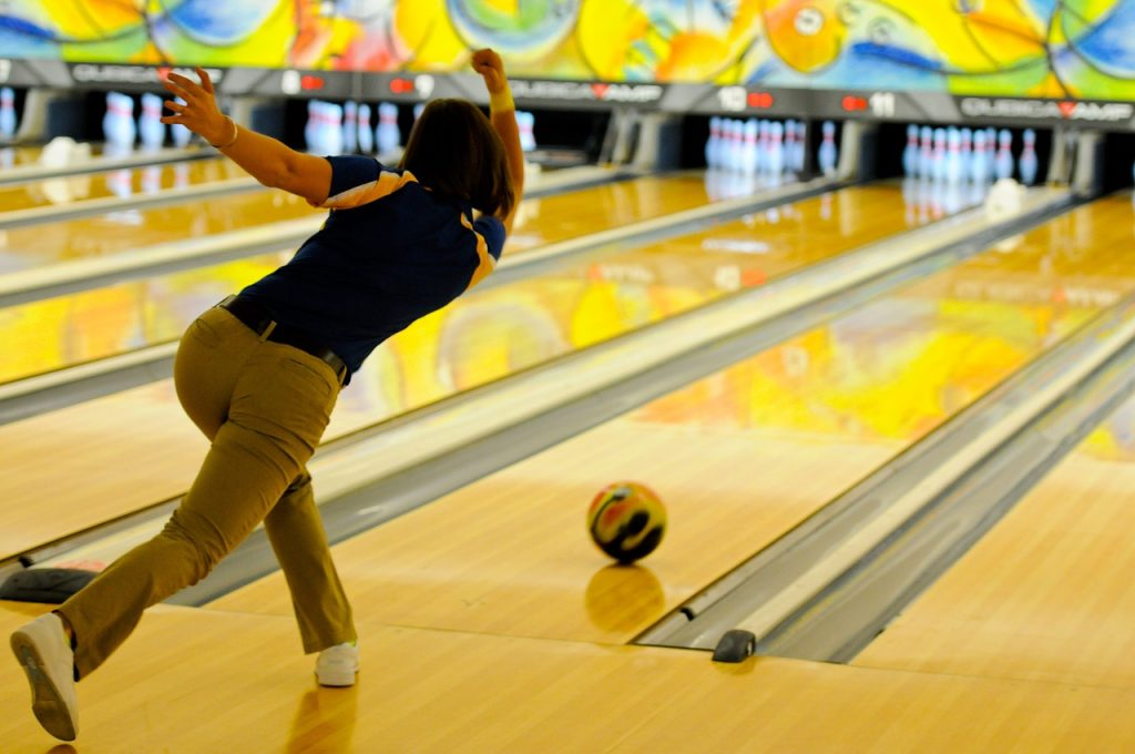 Best Bowling Wrist Supports for Hook, Pain & Carpal Tunnel