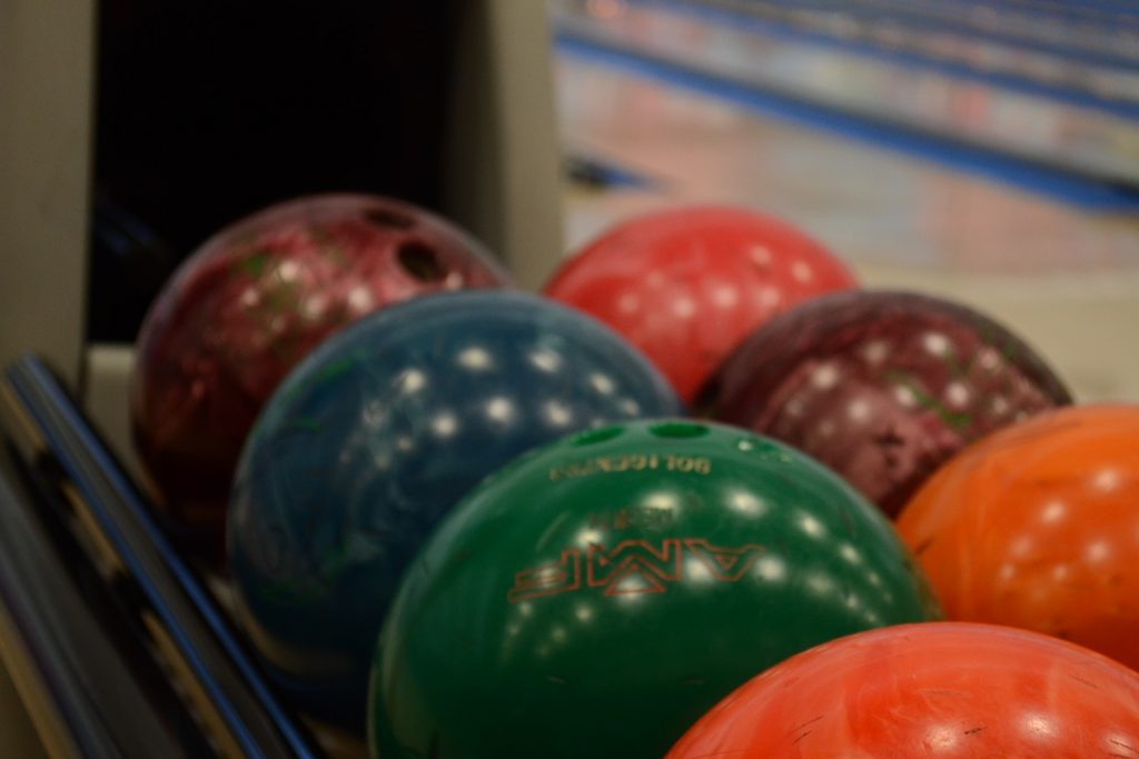 bowling-balls-for-heavy-oil-lanes
